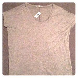 Women's Gap Gray T-shirt